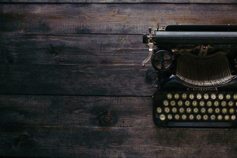 Typewriter-dark-background